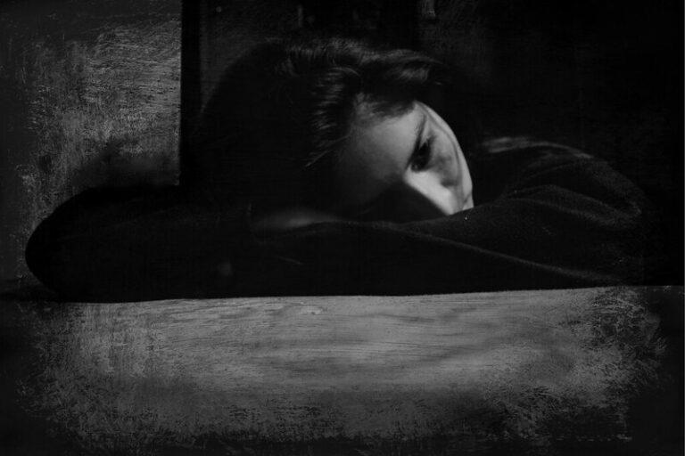 Lee más sobre el artículo ¿Cuáles son las causas más comunes de una depresión?